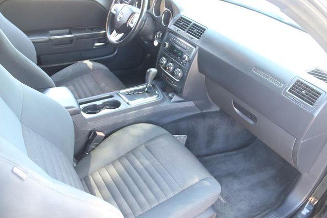 2012 Dodge Challenger SXT Santa Clarita, CA 8