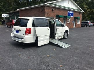 2012 Dodge Grand Caravan SXT handicap wheelchair accessible van Dallas, Georgia 1