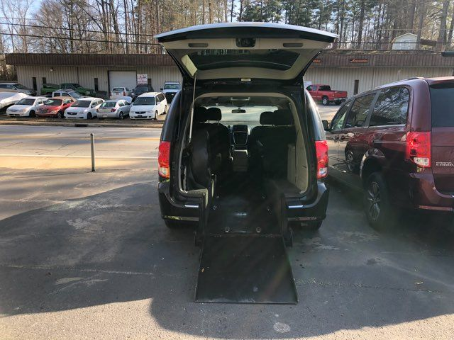 2012 Dodge Grand Caravan Crew handicap wheelchair accessible Dallas, Georgia 1