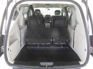 2012 Dodge Grand Caravan SXT Gardena, California 10