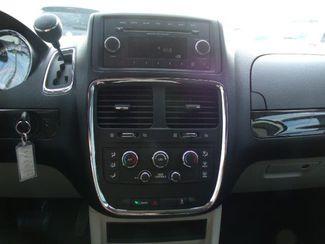 2012 Dodge Grand Caravan Sxt Wheelchair Van Handicap Ramp Van DEPOSIT Pinellas Park, Florida 8