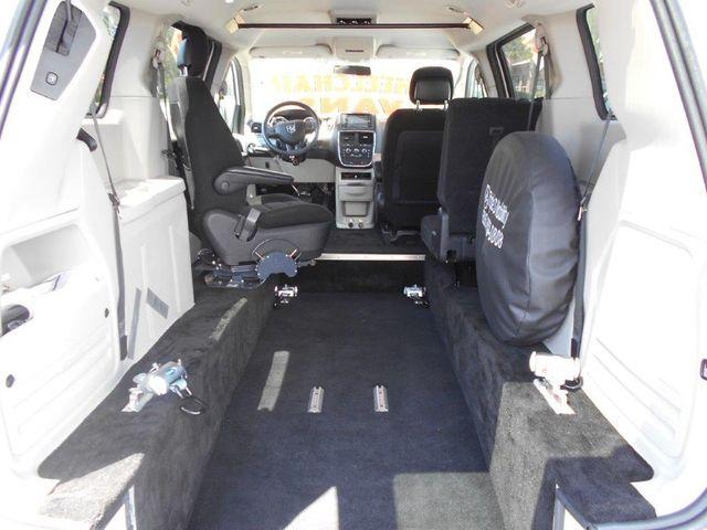 2012 Dodge Grand Caravan Sxt Wheelchair Van Pinellas Park, Florida 5
