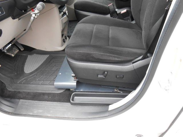 2012 Dodge Grand Caravan Sxt Wheelchair Van Pinellas Park, Florida 6