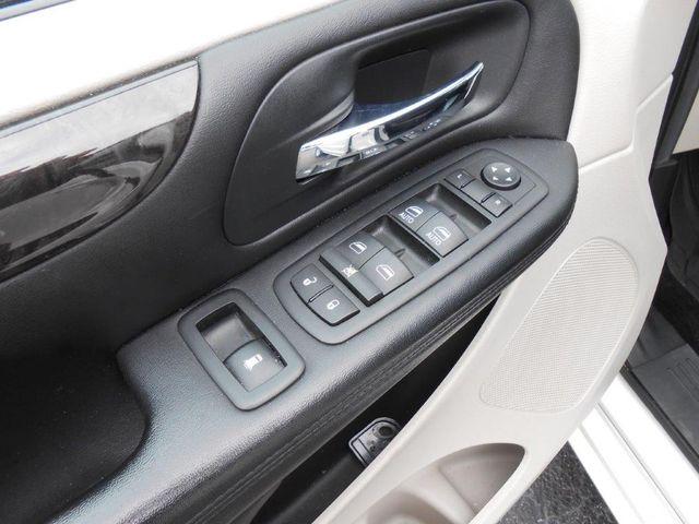 2012 Dodge Grand Caravan Sxt Wheelchair Van Pinellas Park, Florida 8