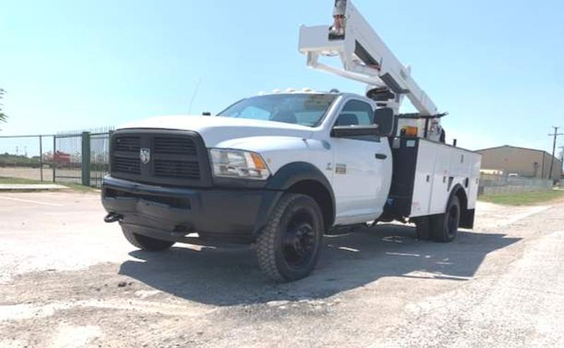 2012 Dodge RAM 5500 VERSALIFT 45FT 4X4  LOW MILES     city TX  North Texas Equipment  in Fort Worth, TX