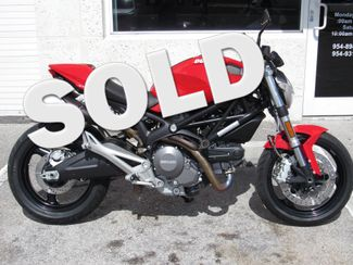 2012 Ducati Monster 696 in Dania Beach Florida, 33004