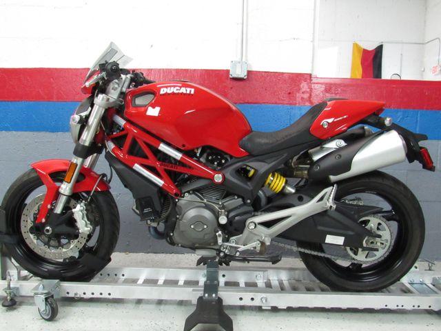 2012 Ducati Monster 696 in Dania Beach , Florida 33004