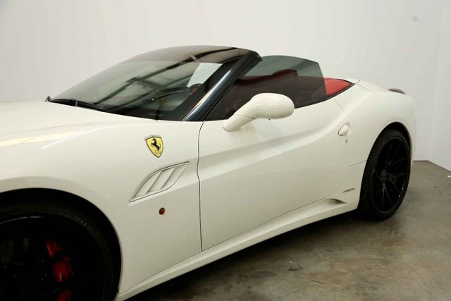 2012 Ferrari California Houston, Texas 8