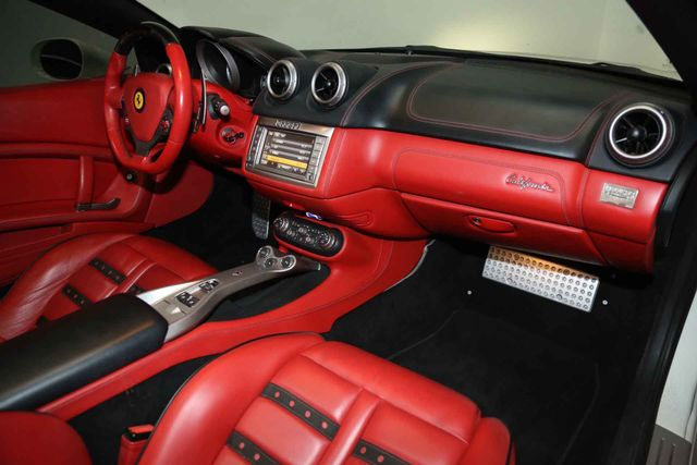 2012 Ferrari California Houston, Texas 17