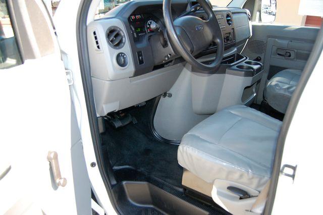 2012 Ford 12 Pass.  XL Charlotte, North Carolina 4