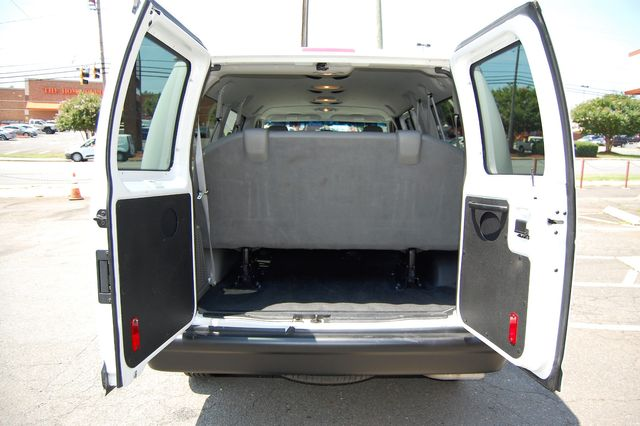 2012 Ford 12 Pass. XL Charlotte, North Carolina 11