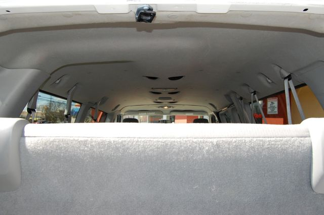 2012 Ford 15 Pass. XLT Charlotte, North Carolina 11