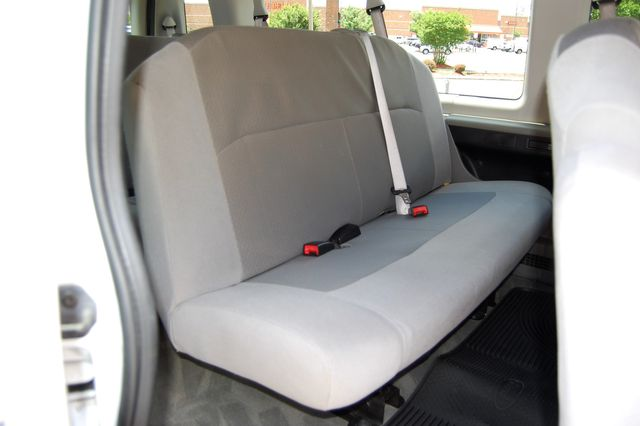 2012 Ford 15 Pass. XLT Charlotte, North Carolina 10