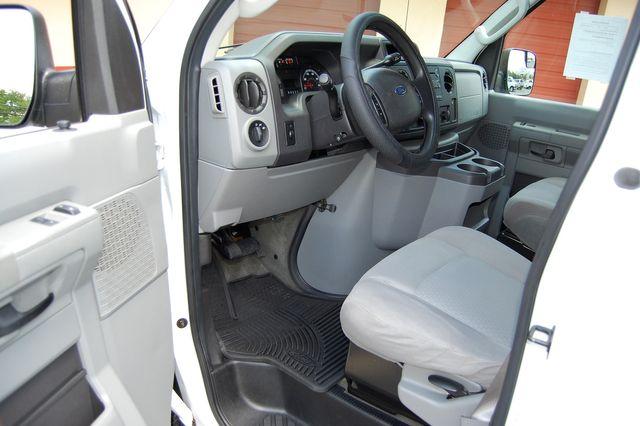 2012 Ford 15 Pass. XLT Charlotte, North Carolina 4