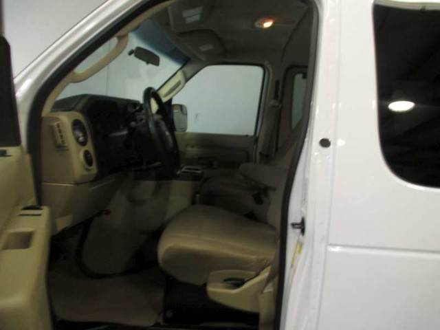 2012 Ford E-Series Wagon XLT in Gonzales, Louisiana 70737