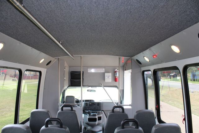 2012 Ford E350 13 Passenger Low Miles Elkhart Coach Shuttle Bus W/Lift Irving, Texas 20