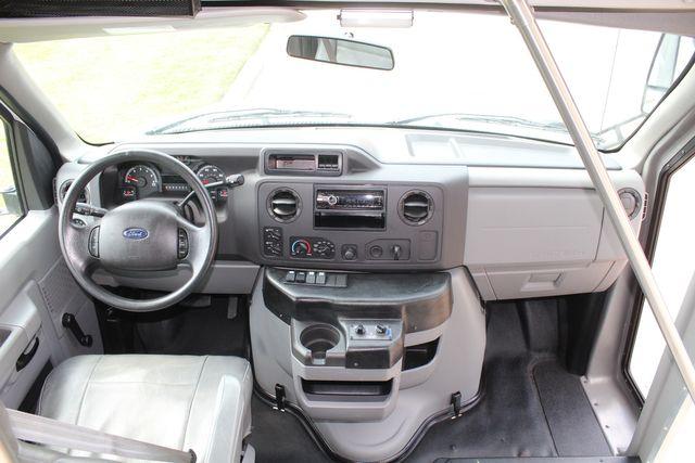 2012 Ford E350 13 Passenger Low Miles Elkhart Coach Shuttle Bus W/Lift Irving, Texas 23