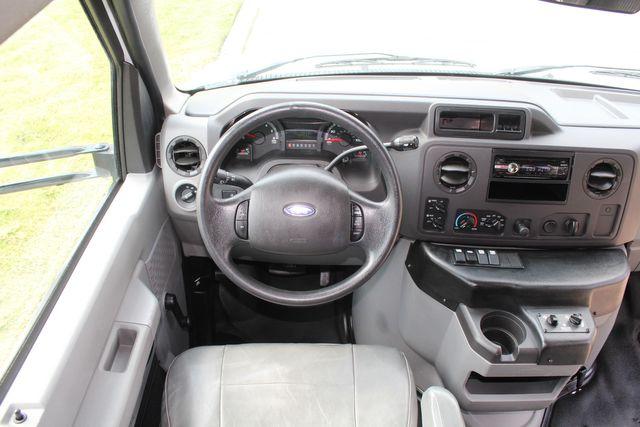 2012 Ford E350 13 Passenger Low Miles Elkhart Coach Shuttle Bus W/Lift Irving, Texas 24