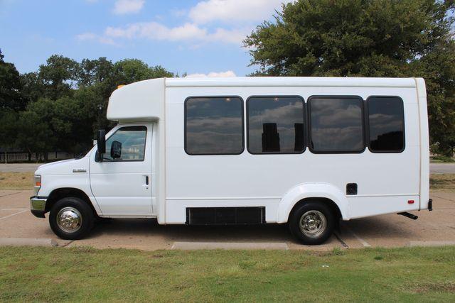 2012 Ford E350 13 Passenger Low Miles Elkhart Coach Shuttle Bus W/Lift Irving, Texas 3