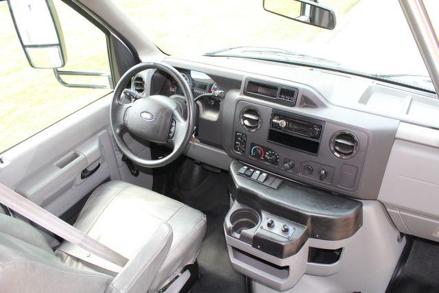 2012 Ford E350 13 Passenger Low Miles Elkhart Coach Shuttle Bus W/Lift Irving, Texas 34