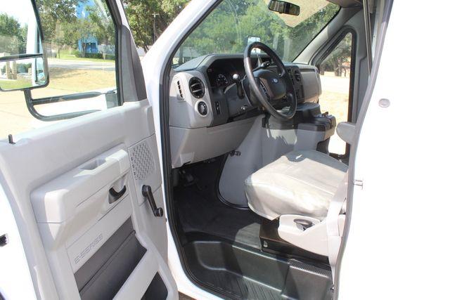 2012 Ford E350 13 Passenger Low Miles Elkhart Coach Shuttle Bus W/Lift Irving, Texas 40
