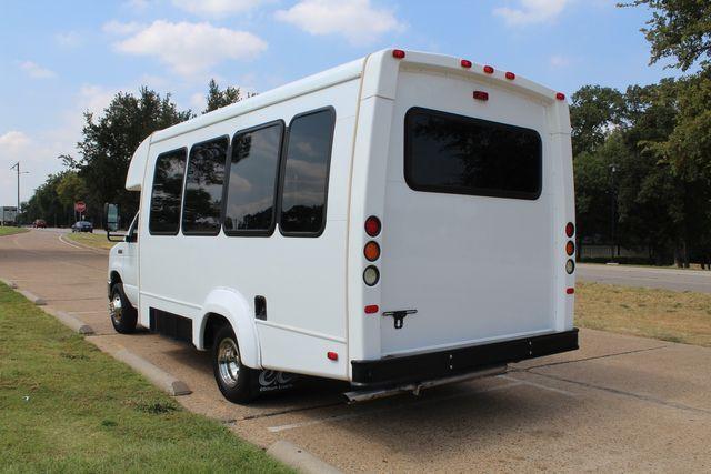 2012 Ford E350 13 Passenger Low Miles Elkhart Coach Shuttle Bus W/Lift Irving, Texas 4