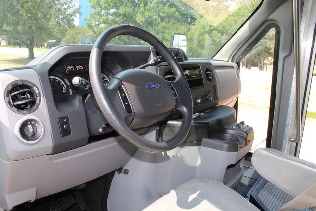 2012 Ford E350 13 Passenger Low Miles Elkhart Coach Shuttle Bus W/Lift Irving, Texas 41