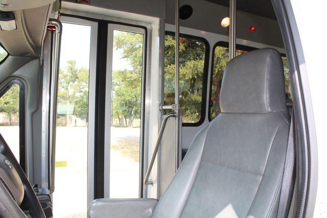 2012 Ford E350 13 Passenger Low Miles Elkhart Coach Shuttle Bus W/Lift Irving, Texas 43
