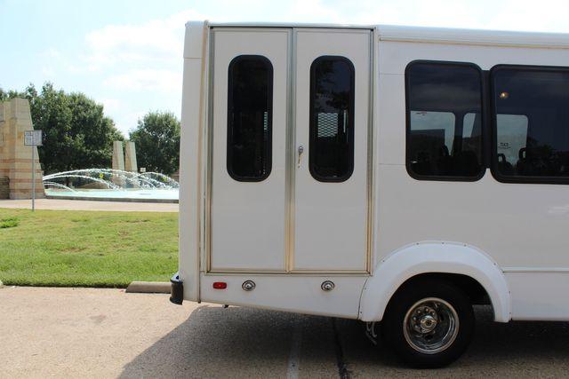 2012 Ford E350 13 Passenger Low Miles Elkhart Coach Shuttle Bus W/Lift Irving, Texas 45