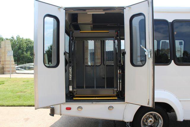 2012 Ford E350 13 Passenger Low Miles Elkhart Coach Shuttle Bus W/Lift Irving, Texas 46