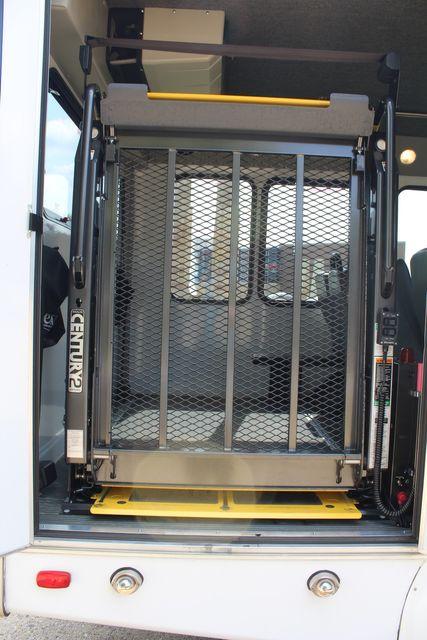 2012 Ford E350 13 Passenger Low Miles Elkhart Coach Shuttle Bus W/Lift Irving, Texas 47