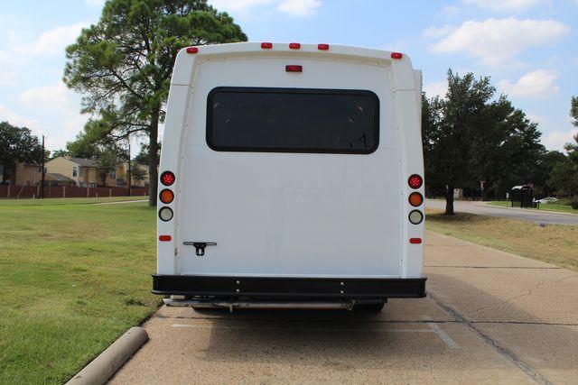 2012 Ford E350 13 Passenger Low Miles Elkhart Coach Shuttle Bus W/Lift Irving, Texas 5