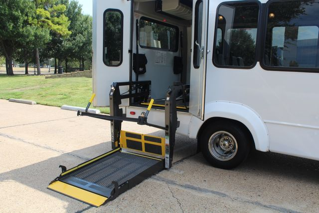 2012 Ford E350 13 Passenger Low Miles Elkhart Coach Shuttle Bus W/Lift Irving, Texas 51