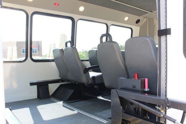 2012 Ford E350 13 Passenger Low Miles Elkhart Coach Shuttle Bus W/Lift Irving, Texas 54