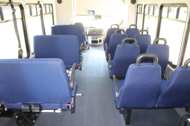 2012 Ford E450 15 Passenger Low Miles Starcraft Shuttle Bus  W/ 5 Wheelchair Spaces Irving, Texas 30