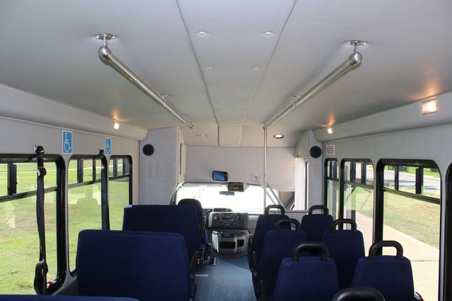 2012 Ford E450 15 Passenger Low Miles Starcraft Shuttle Bus  W/ 5 Wheelchair Spaces Irving, Texas 31