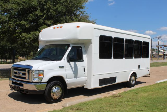 2012 Ford E450 15 Passenger Low Miles Starcraft Shuttle Bus  W/ 5 Wheelchair Spaces Irving, Texas 4