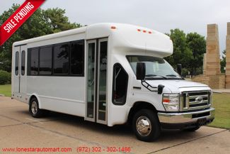 2012 Ford E450 21 Passenger  Starcraft Shuttle Bus W/ Wheelchair Lift Irving, Texas