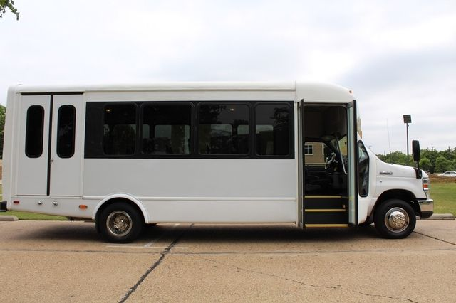 2012 Ford E450 21 Passenger  Starcraft Shuttle Bus W/ Wheelchair Lift Irving, Texas 14