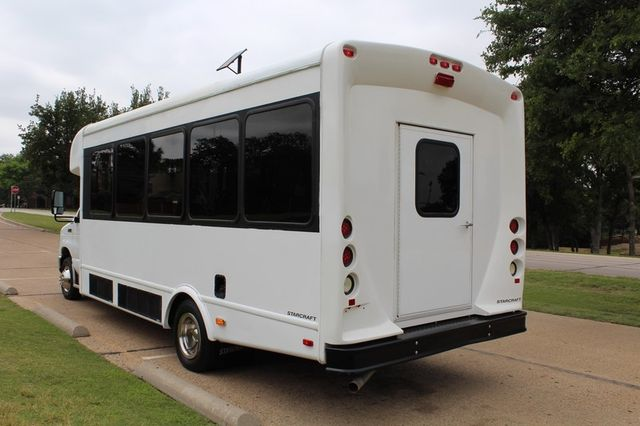 2012 Ford E450 21 Passenger  Starcraft Shuttle Bus W/ Wheelchair Lift Irving, Texas 7