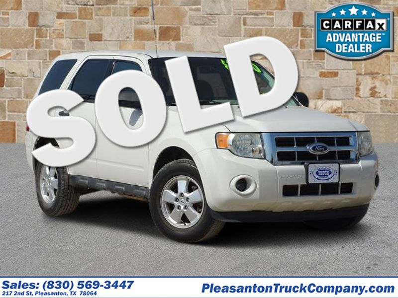 2012 Ford Escape XLS | Pleasanton, TX | Pleasanton Truck Company in Pleasanton TX