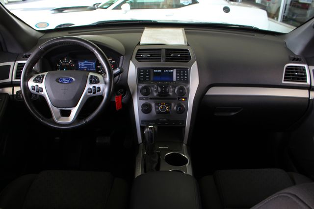2012 Ford Explorer XLT 4x4 - LEATHER INTERIOR - SYNC W/ BLUETOOTH! Mooresville , NC 25
