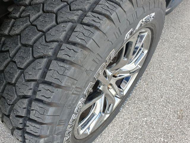 2012 Ford F-150 SVT Raptor 6.2L 4WD in Louisville, TN 37777