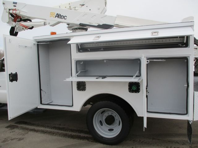2012 Ford F-550 BUCKET BOOM TRUCK Lake In The Hills, IL 12