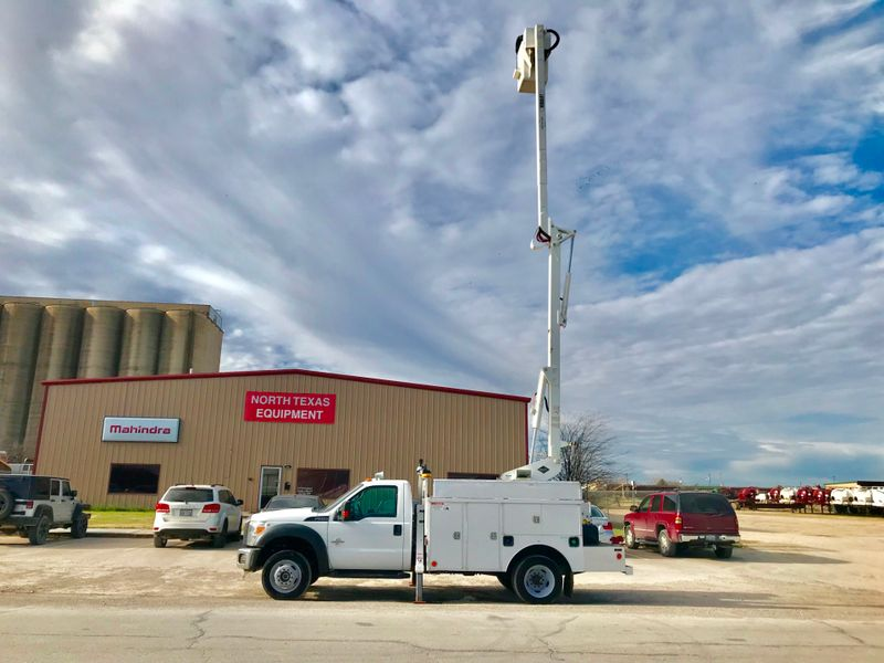 2012 Ford F550 4X4 BUCKET TRUCK    city TX  North Texas Equipment  in Fort Worth, TX