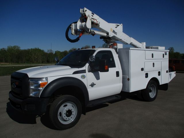2012 Ford F550 BUCKET TRUCK Lake In The Hills, IL