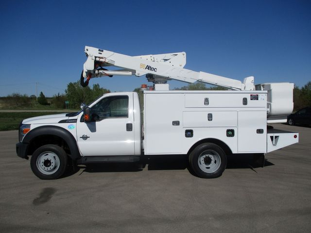 2012 Ford F550 BUCKET TRUCK Lake In The Hills, IL 1