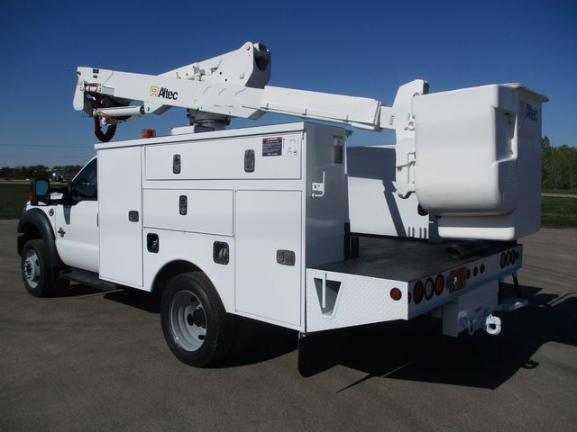 2012 Ford F550 BUCKET TRUCK Lake In The Hills, IL 2