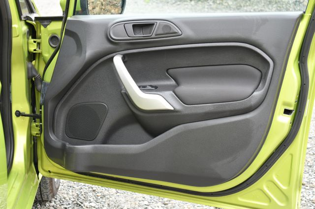2012 Ford Fiesta SE Naugatuck, Connecticut 12