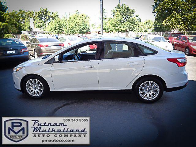 2012 Ford Focus SE Chico, CA 3
